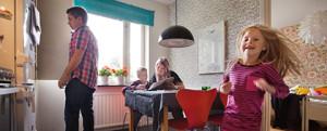 familj i lägenhet
